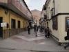 Ulice ve městě Potosí a v pozadí Cerro Rico (Bohatá hora). Stříbro z této hory sponzorovalo rozvoj v Evropě po desítky let.