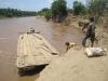 Primitivní ferry dokud nebude dostavěn most
