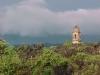 Kostel v lávou zavaleném městě San Juan Parangaricutiro (stát Michoacán)