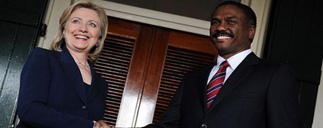 Týden: Clintonová na Haiti, Protesty v Hondurasu